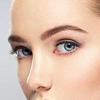 Disminuye el tamaño de los poros y mejora las manchas